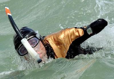 cruzanadocanalMancha Cruza a nado el Canal de la Mancha, sin brazos ni piernas