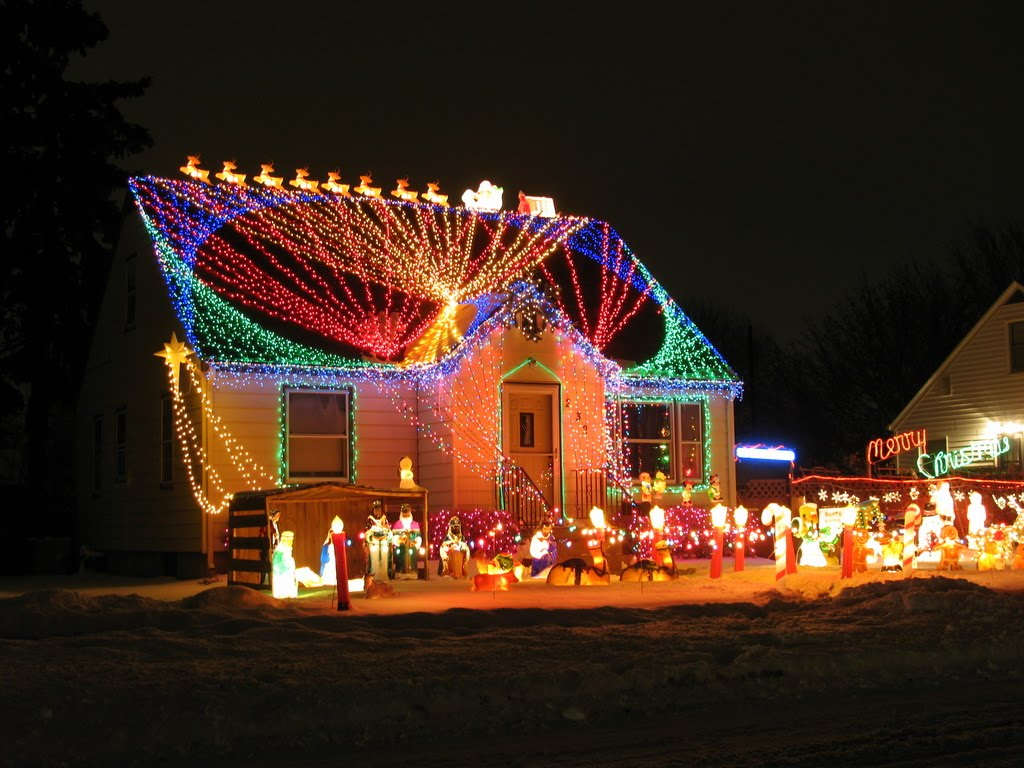 7 creative uses of gutters roofs for holiday decorating