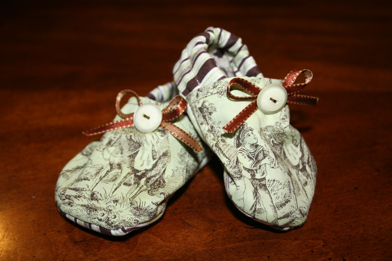 [baby+shoes008.jpg]