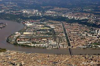 Vue aérienne de la rive droite de Bordeaux
