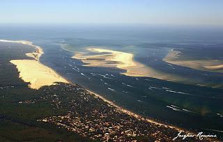 vue aerienne des passes du Bassin d'Arcachon
