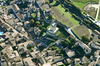 vue aérienne cloitre Saint Emilion