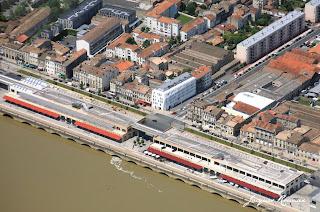 photo aérienne quartier des Chartrons à Bordeaux (hotel Seeko'o et hangars rénovés)