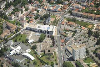 vue aérienne du centre ville de Mérignac (Gironde) en 2008