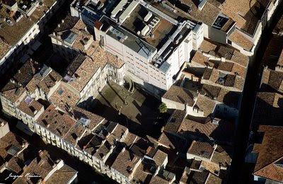 Vue aérienne immeuble rue de la Porte Dijeaux à Bordeaux
