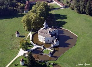 Photo aérienne du Château de Montesquieu à La Brède