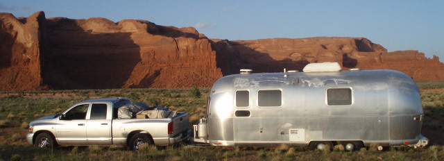 [airstream+and+red+rock]