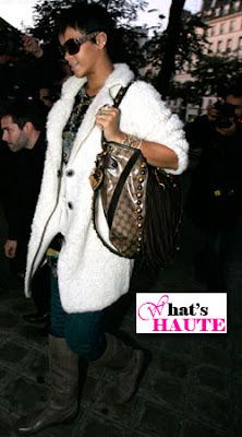 Celebrity bag spotting: Rihanna with the Gucci Large Babouska Hobo