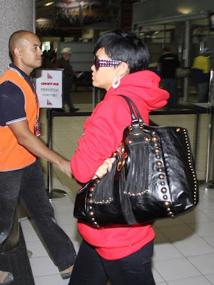 Celebrity Handbag Spotting: Rihanna with the Gucci Medium Babouska Heart Tote