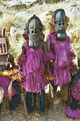 Dogon in masks