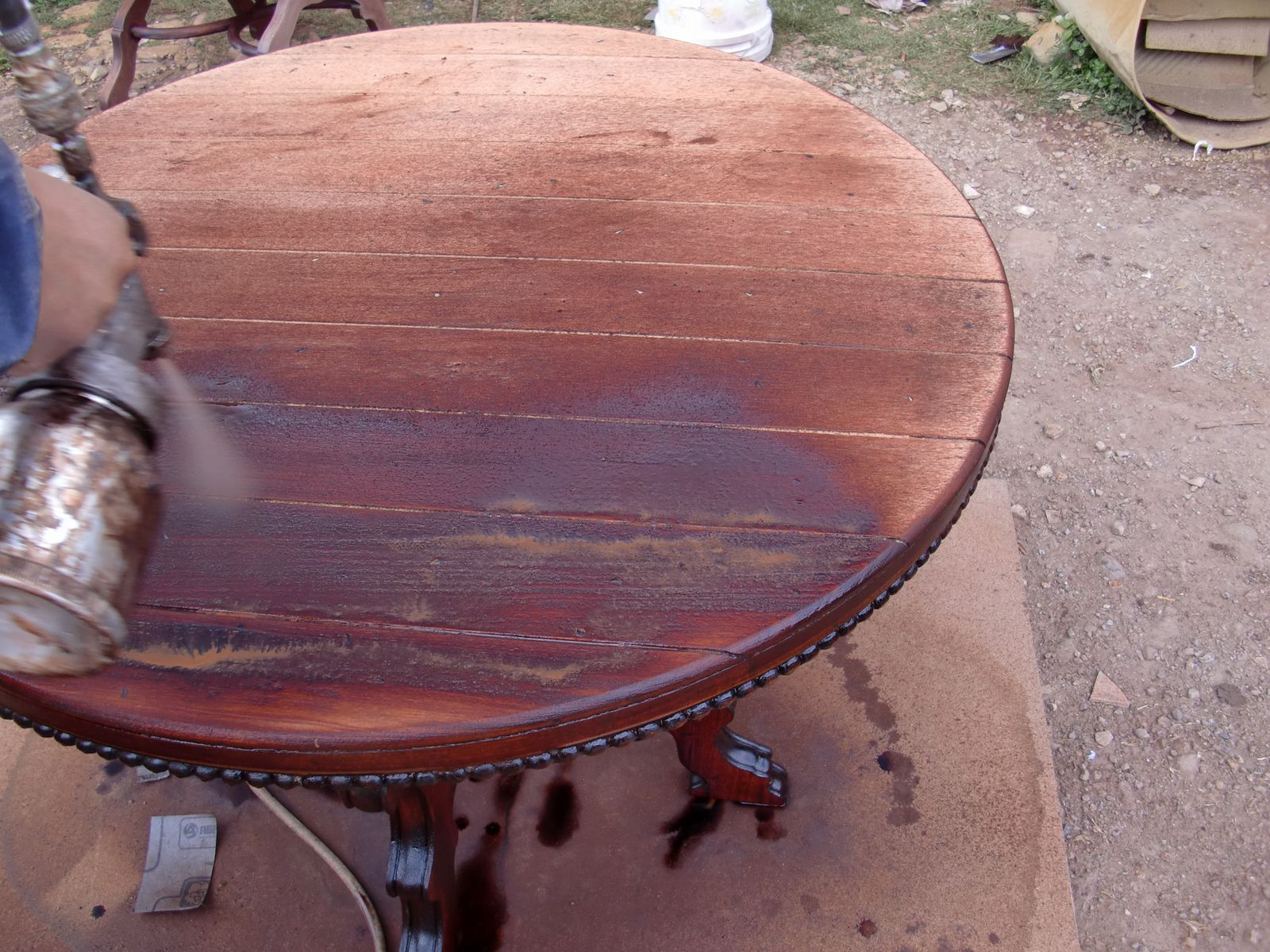 Decoraciones manualidades en madera como restaurar un mueble for Laca al agua para muebles