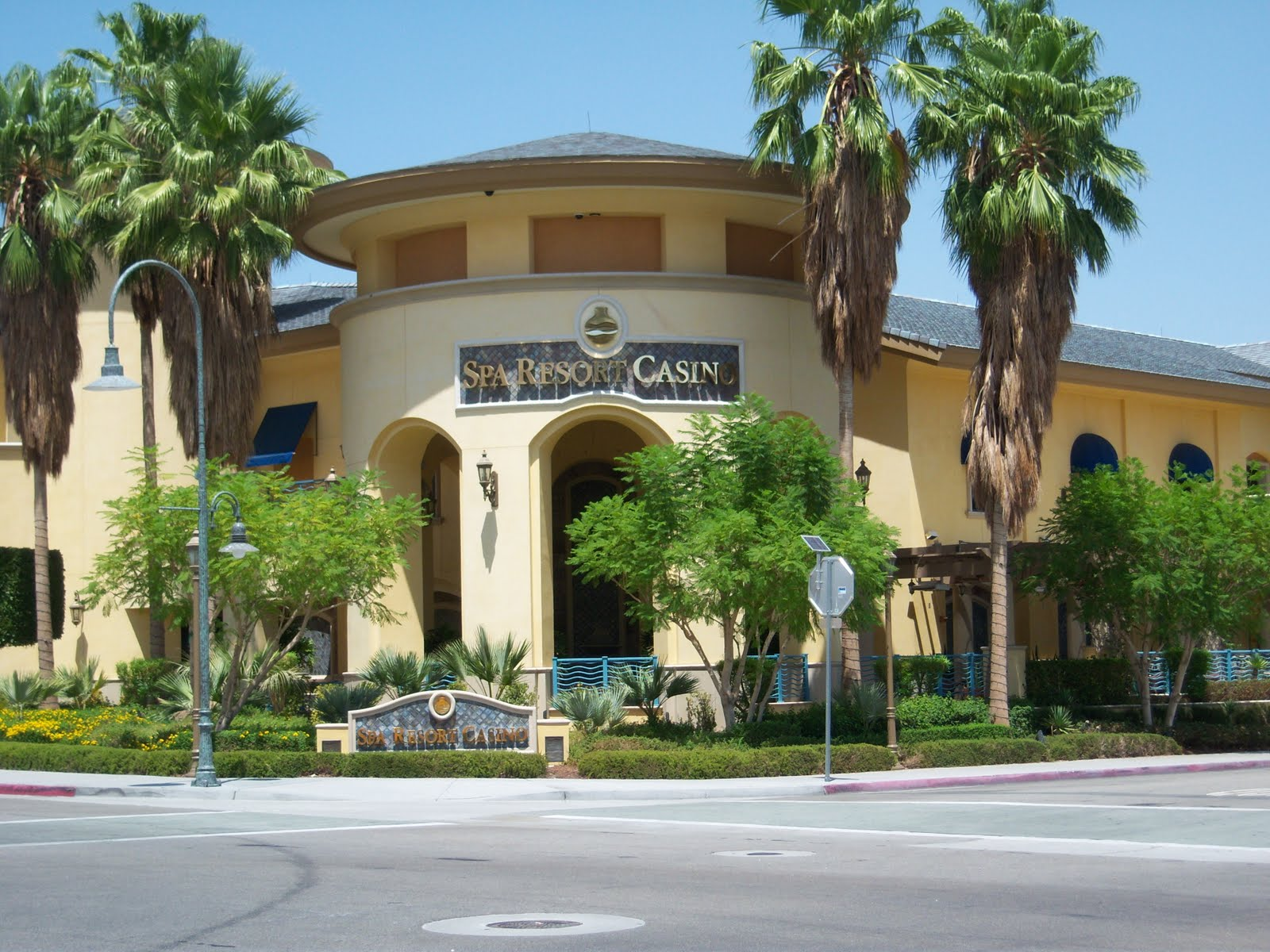 Casinos near palm springs casino hotel windsor canada