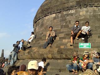 borobudur main stupa