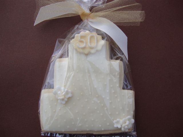 I recently had a request for 50th Wedding Anniversary cookies to use as a