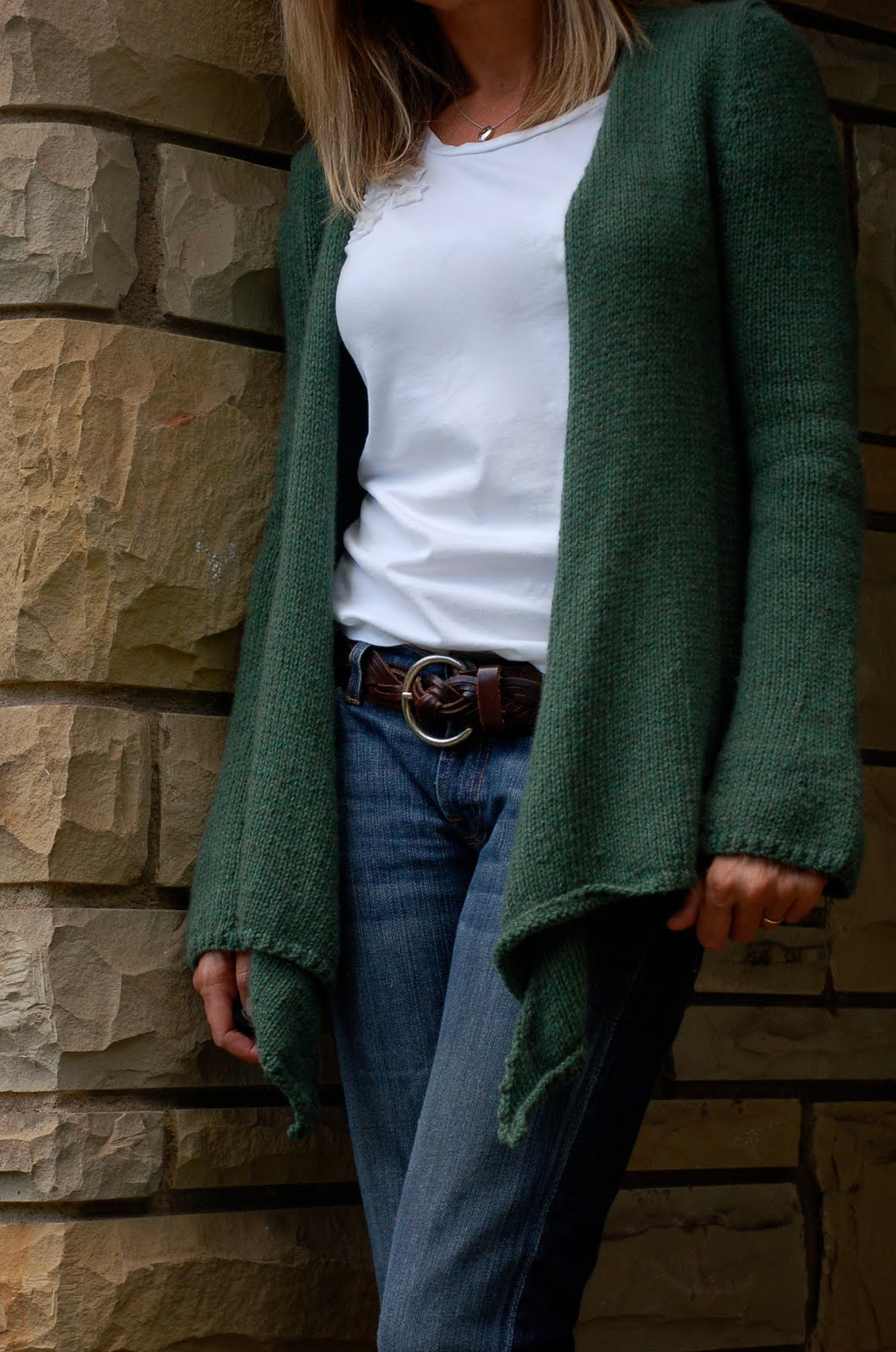 slouchy cardigan - a Friend to knit with