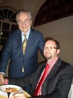 Il prof. Aulisio in compagnia di Gualtiero Marchesi