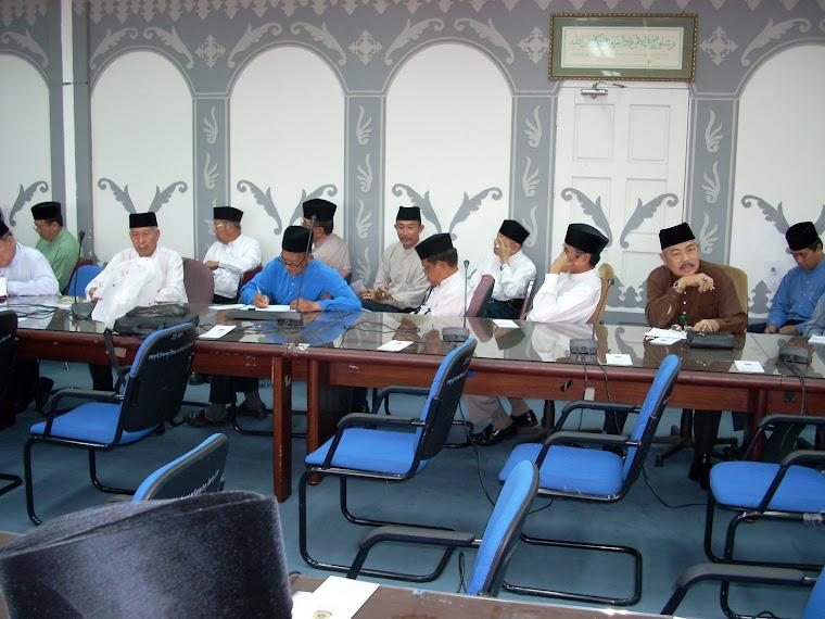 Penghulu dan Ketua di Roadshow Daerah Brunei Muara