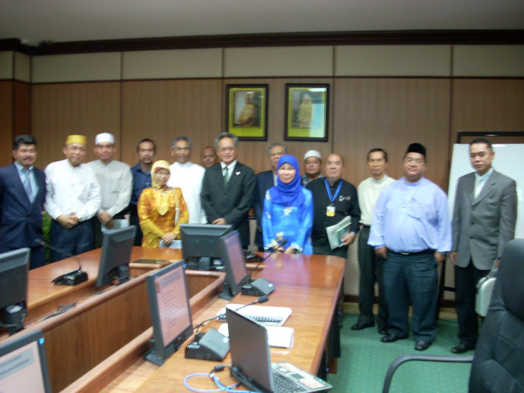 Dato Hamdillah with Committee Members of KOKAMI & BINA