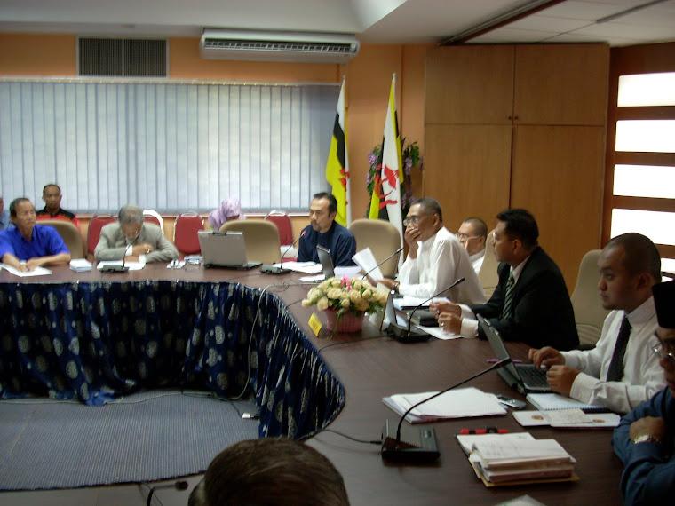 Assistant DO Belait & Pengerusi KOKAMI serta Ahli-Ahli Komiti
