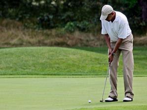 Obama enjoys golfing