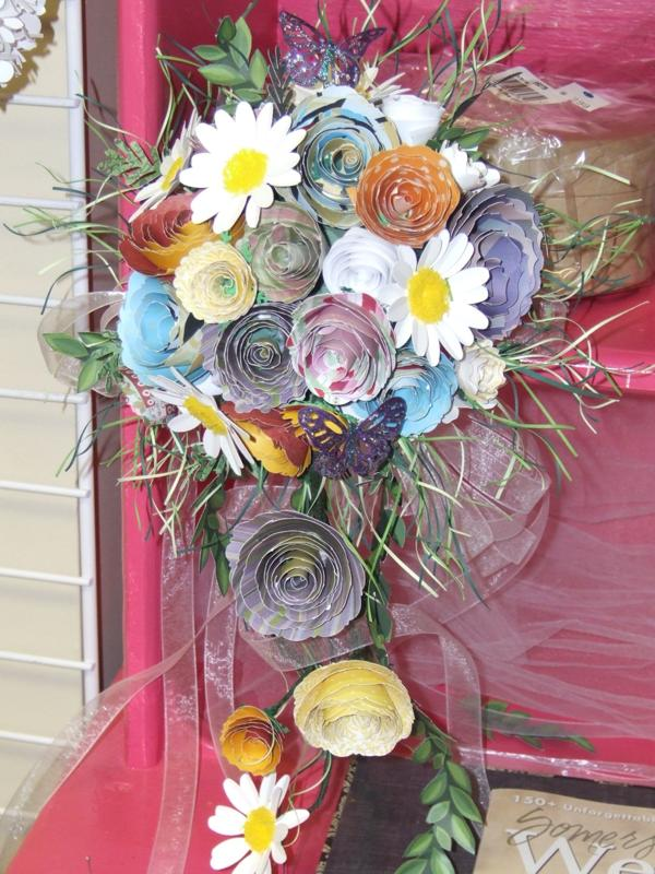 paper flowers wedding. how to make paper flowers