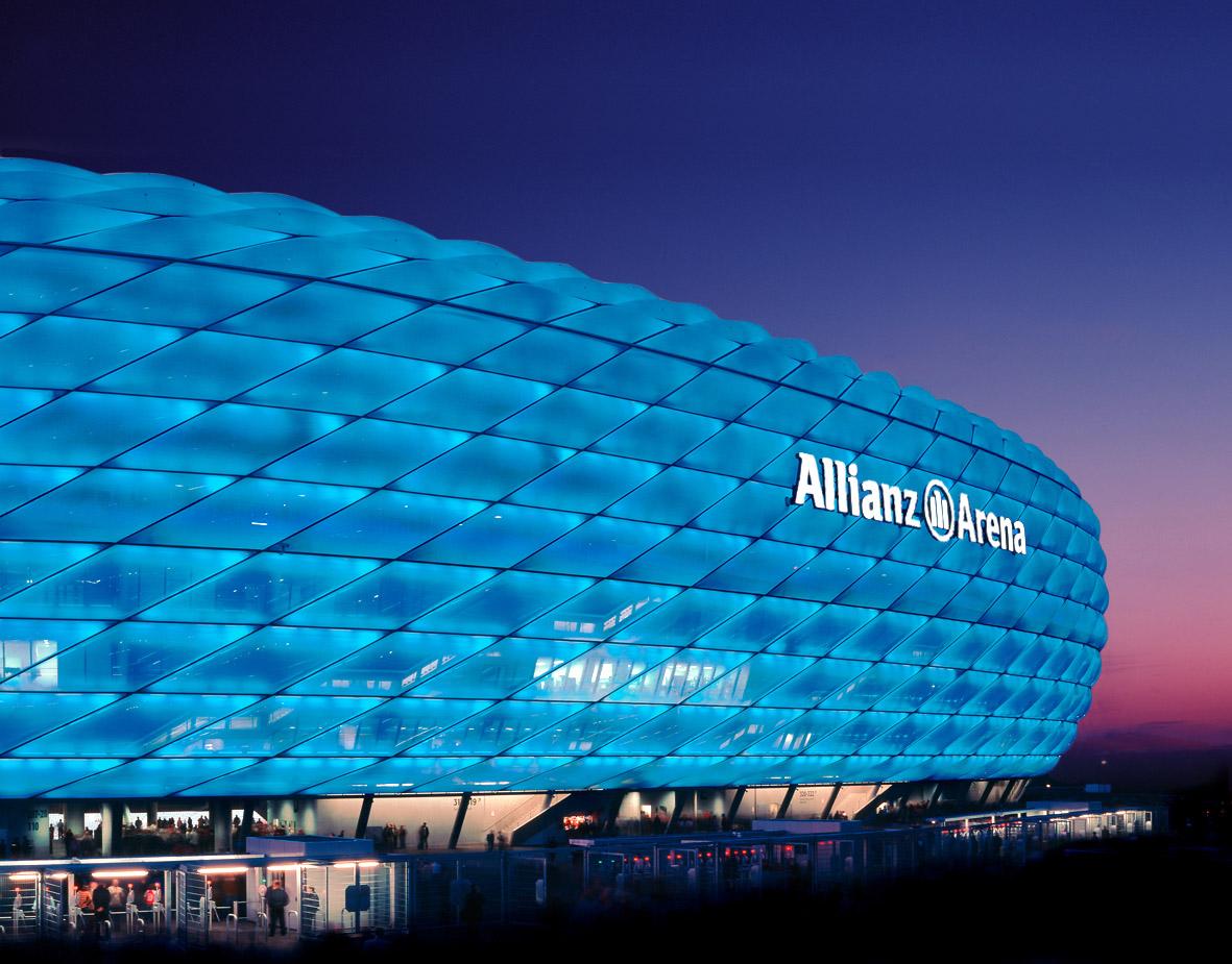 http://3.bp.blogspot.com/_4w7QT8zfH_4/S5ozZuC0TUI/AAAAAAAAAbg/LnCfZXv0kcQ/s1600/Allianz_Arena_Wallpaper.jpg
