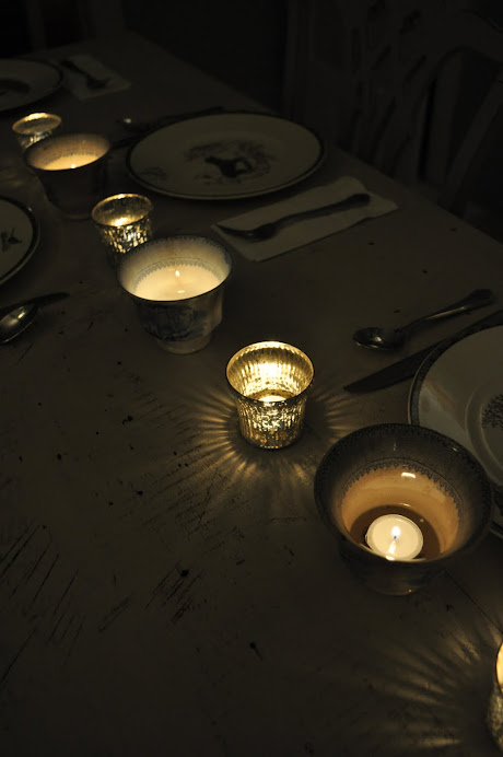 TRY MIXING MERCURY GLASS VOTIVES WITH ANTIQUE ENGLISH CUSTARD CUPS DOWN THE CENTER OF THE TABLE!