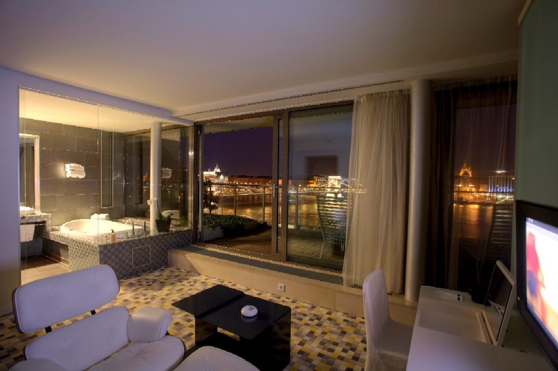 L nch d 19 budapest luxury hotels for 4 designhotel anthony s