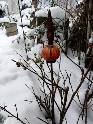 Garten anders herbst und winterdekoration farbe im for Tonscherben deko