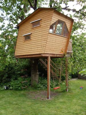 Garten-anders: Originelles Kinderspielhaus bzw. Baumhaus
