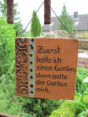 Garten anders gartenspr che auf gartenschildern selbst erstellen oder beim t pfer herstellen - Garten skizze erstellen ...