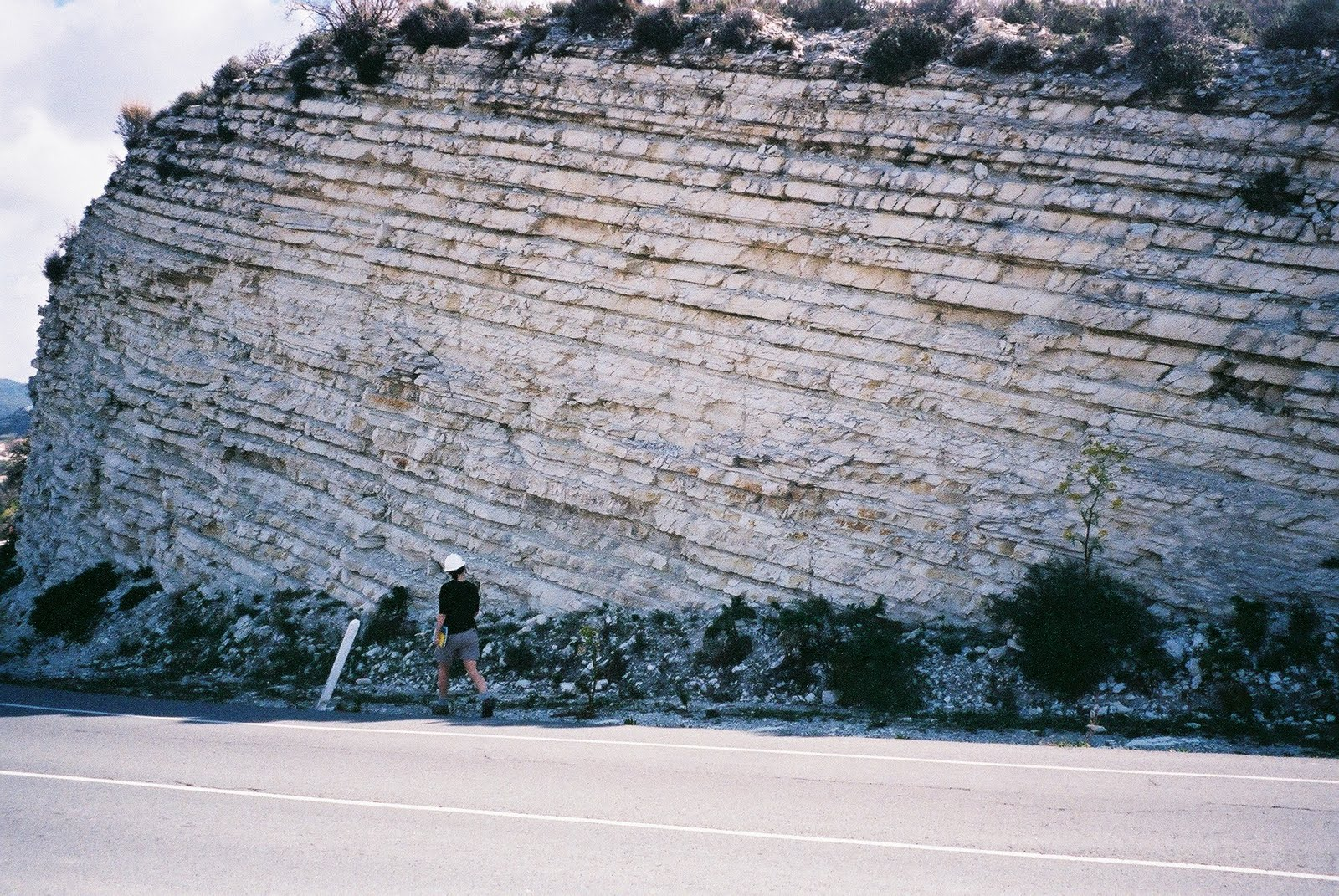 http://3.bp.blogspot.com/_4zJ0xFf3DEQ/TA6ZIN7ShQI/AAAAAAAABM4/4mmxSBf8Hjc/s1600/Geology_of_Cyprus-Chalk.jpg