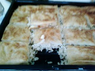 eristelı börek,eriştelı peynırli börek,kolay börek,börek yapılısı,erişteli peynirli su böreği