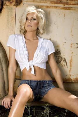 Top High Fashion Model... Olga Kurylenko Dating