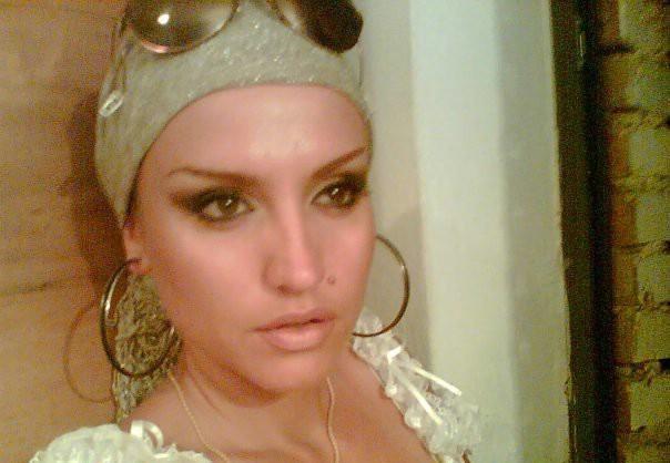 Albana Perhati Photo Foto