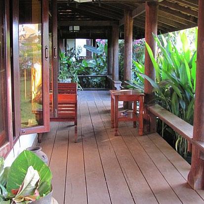 The rainforest garden how to design a getaway garden for Garden getaway designs