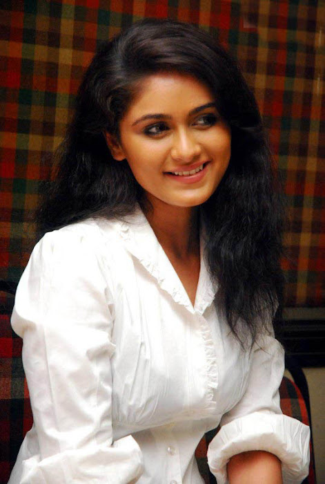 biyanka desai in tight jeanswhite shirt photo gallery