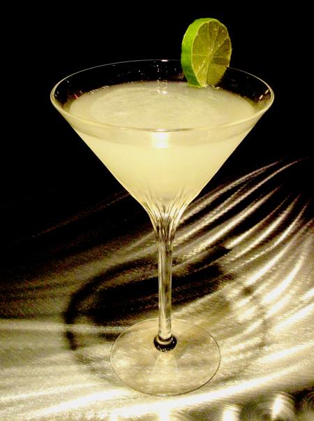 Kamikaze tragos y copas recetas de cocktails for Cocktail kamikaze