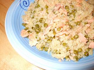 quinoa con salmone e piselli