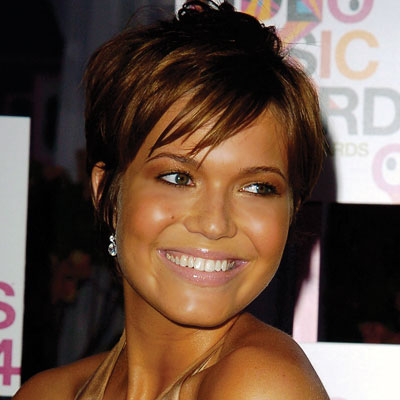 2010 Short Hairstyles on Short Layered Hairstyles     Mandy Moore 2010   Haircuts  Hairstyles