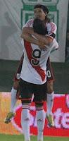Ariel Ortega festeja el gol de River Plate vs Banfield