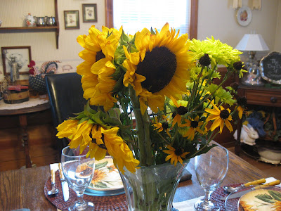 Furniture Consignment Shops Atlanta on Mid Atlantic Martha  Tablescape Thursday   Sunflower Supper