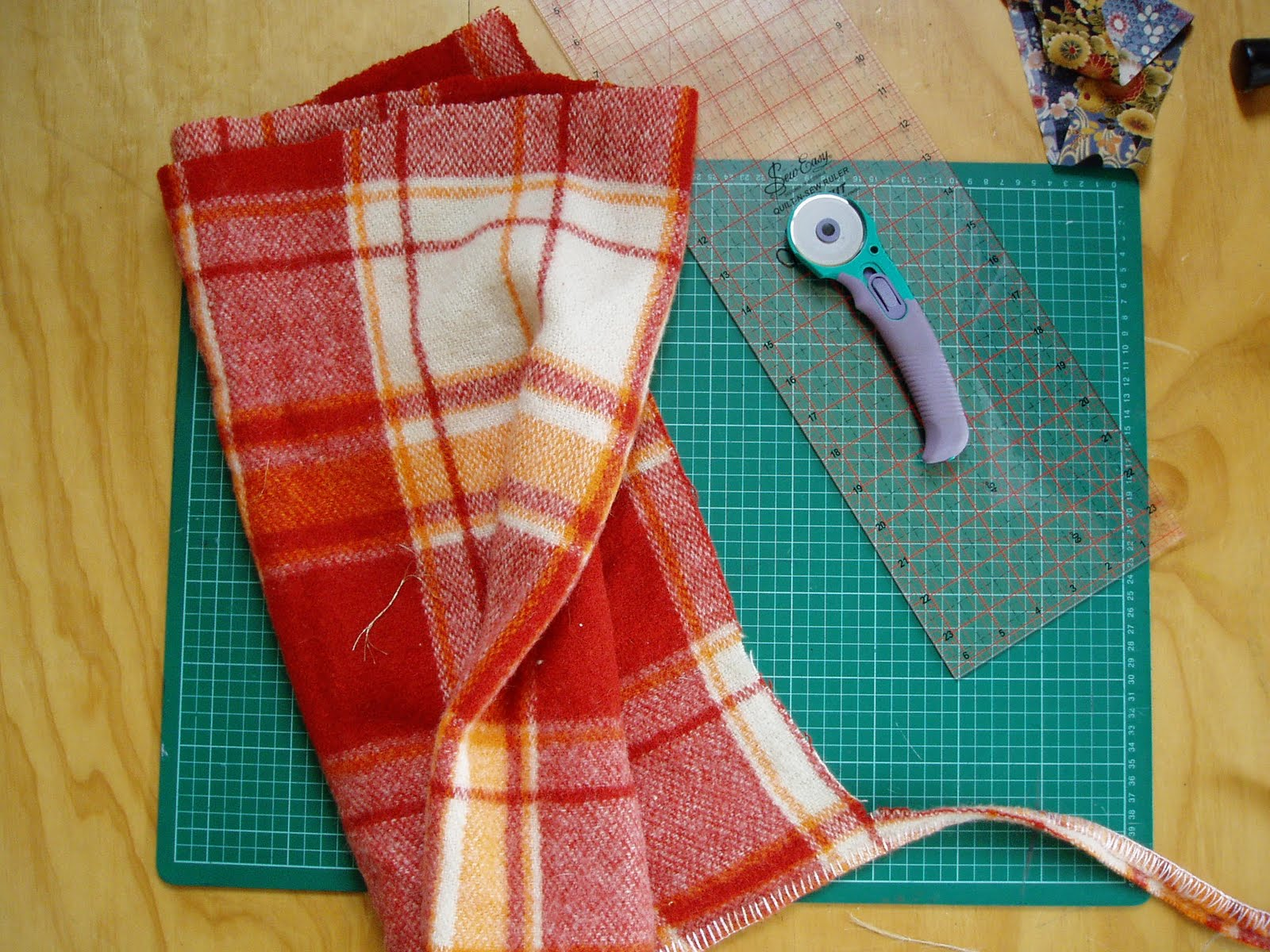 Old fashioned wool blankets 69