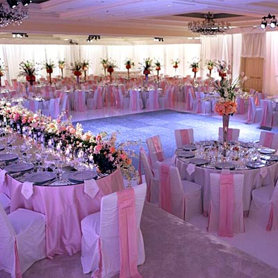 Simply glamorous sunday january 2011 for Wedding banquet decorations