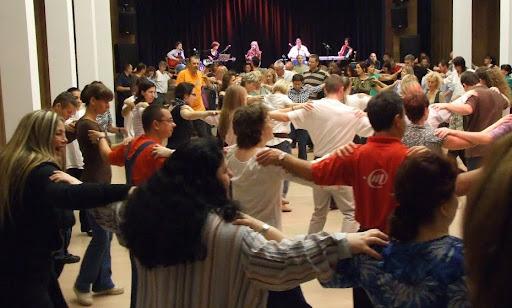 Sirtos jótékonysági koncert és táncház