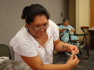 Kelli Palmer teaches corn husk twining
