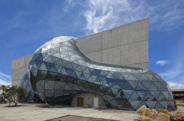 Great The New Salvador Dali Museum In St. Petersburg, Florida Will Open On  January 11, 2011. Have A Look At The Fantastic Combination Of Glass And  Concrete!