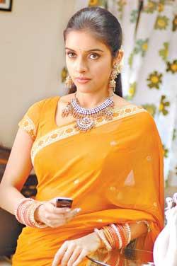 asin-aasin-hindi-tamil-telugu-mallu-bollywood-actress-hot-sexy-desi-indian-traditional-saree-blouse