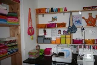 happy needle endlich mal ordnung im n hzimmer. Black Bedroom Furniture Sets. Home Design Ideas