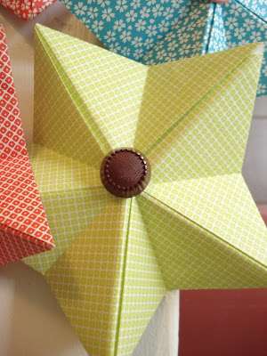 paper crafts for christmas tree: origami star video tutorial